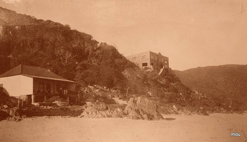 History-of-Noetzie-1930s-North-Cottage-and-Pezula-Castle