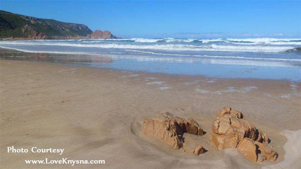 Noetzie-beach1a-photo-by-LoveKnysna.com_